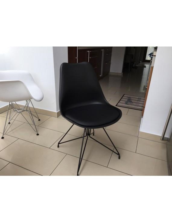 Stuhl schwarz modern gepolstert stuhl gepolstert mit for Couchtisch metallgestell schwarz